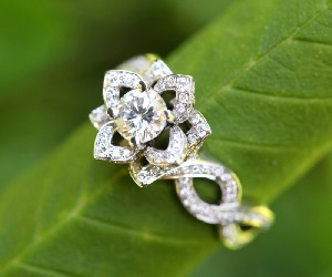 flower diamond engagement rings